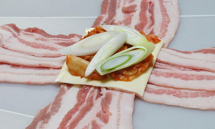 豚キムチーズの包み焼き