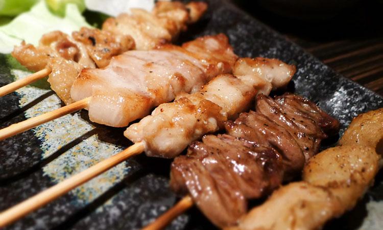 美味なる一串は「串打ち」から始まる【焼き鳥】
